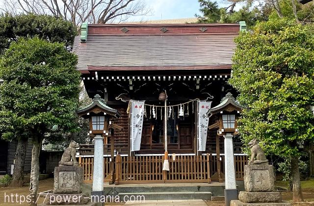 世田谷区の砧三峯神社拝殿